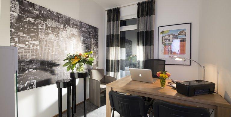 Im Erdgeschoss ist Platz für ein Gästezimmer oder Büro.