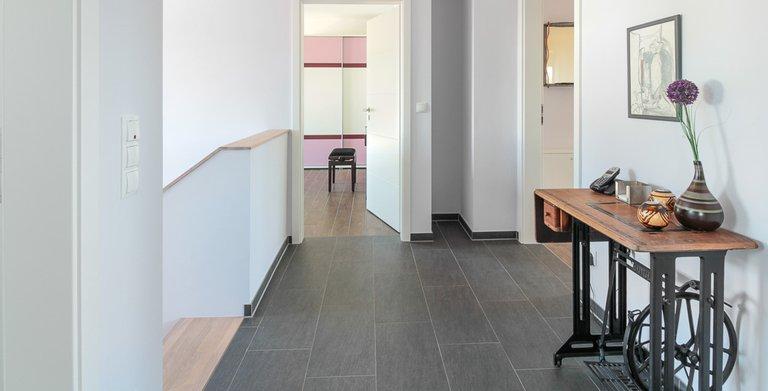 Mehrgenerationenhaus (Stadtvilla 220) - Flur Obergeschoss