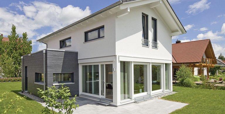 Satteldachhaus LANOS Bad Saulgau von KAMPA GmbH
