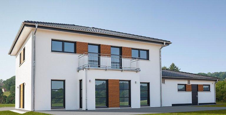 Die Fassade ist klar und symetrisch gegliedert Copyright: Wolf-Haus