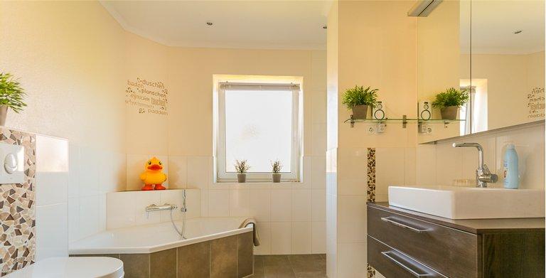 Winkelbungalow 140 - Badezimmer