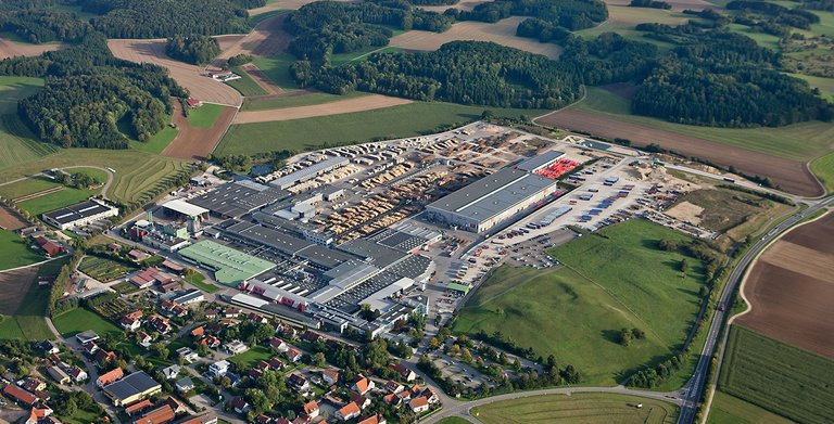 Stammwerk am Firmensitz in Hohenstein-Oberstetten Copyright: SchwörerHaus KG